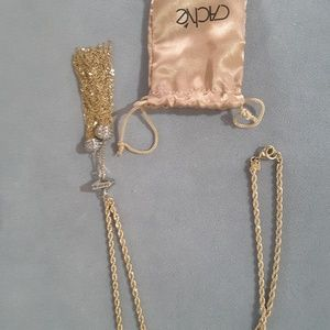 Cache necklace. New, with bag